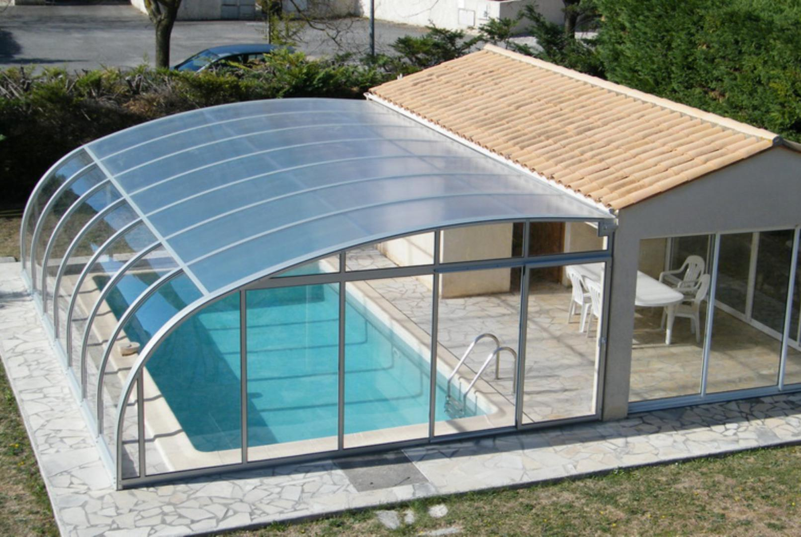 Abri de piscine plat bas mi haut r sidentiel adoss coulissant transparent mobile juralu - Abri de terrasse retractable ...