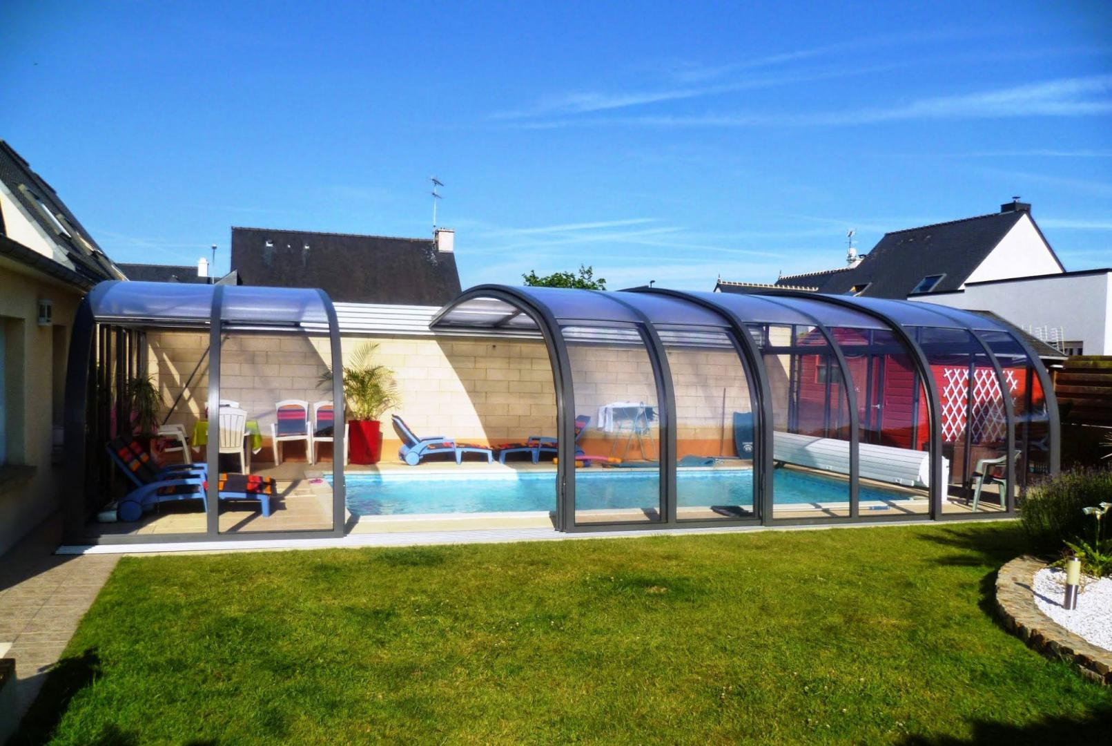 Piscine veranda retractable