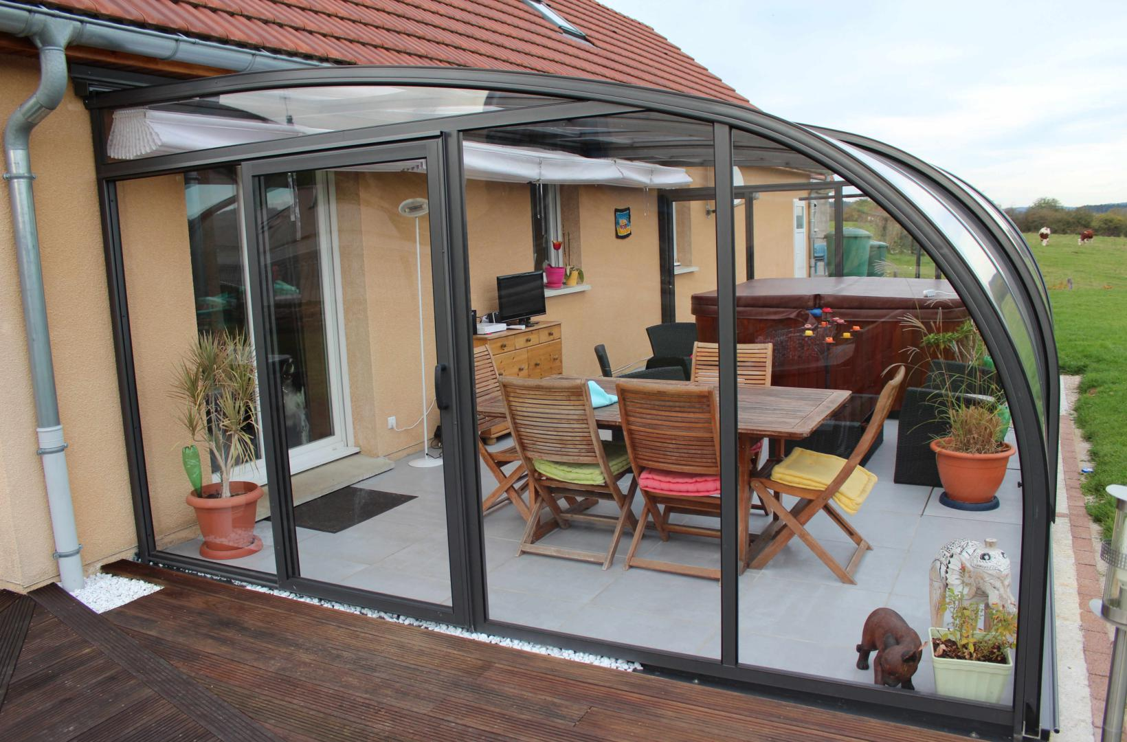 Abri de terrasse mod le saphir au galbe arrondi la solar - Modeles de verandas sur terrasse ...