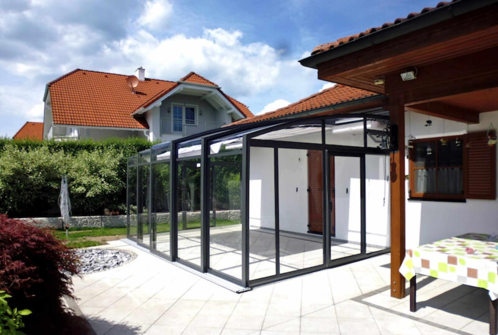 abri de terrasse topaz pans droits la solar v randa topas coulissante de v roka juralu. Black Bedroom Furniture Sets. Home Design Ideas