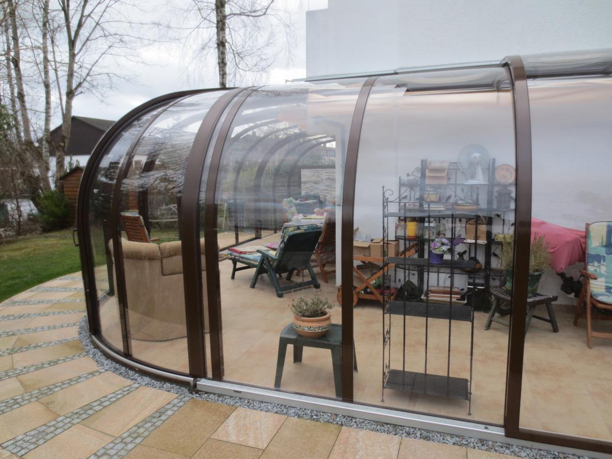 Abri De Terrasse Coulissant Et Veranda Retractable Aluminium Sur Mesure Juralu